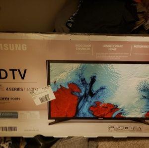 32 inch HDTV